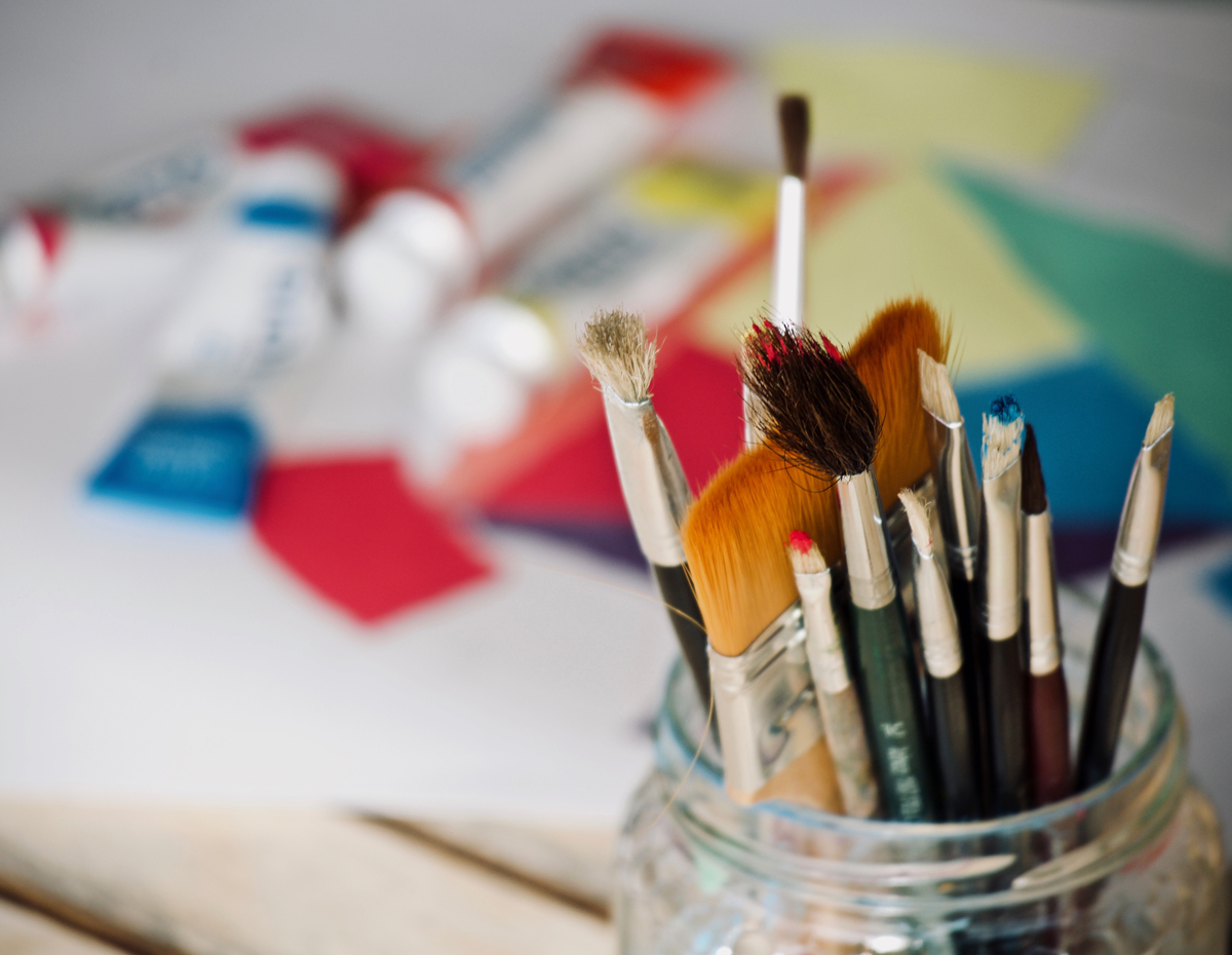 Colouring and painting accessories