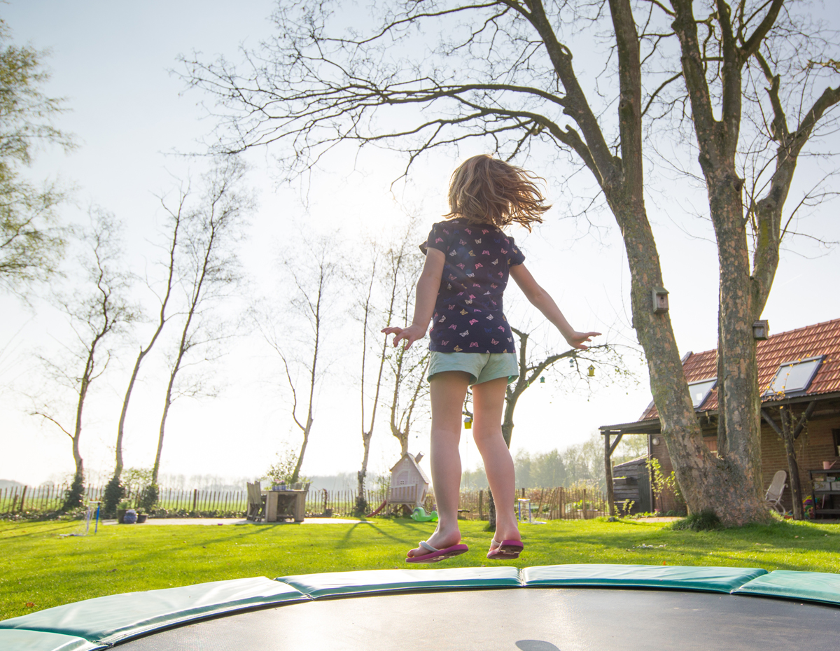 Trampolines, playsets and play houses
